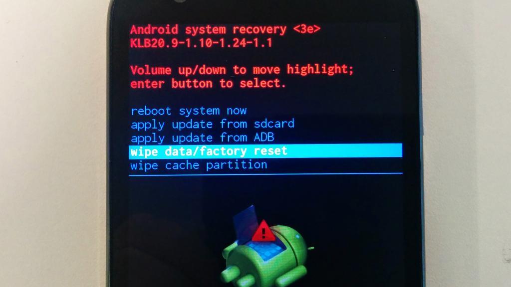 Делаем сброс до заводских настроек в android